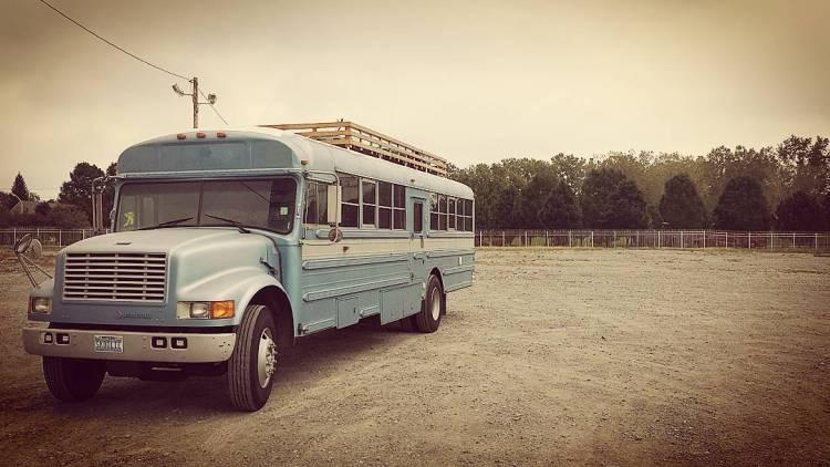 school-bus-dream-home-motor-patrick-schmidt-2