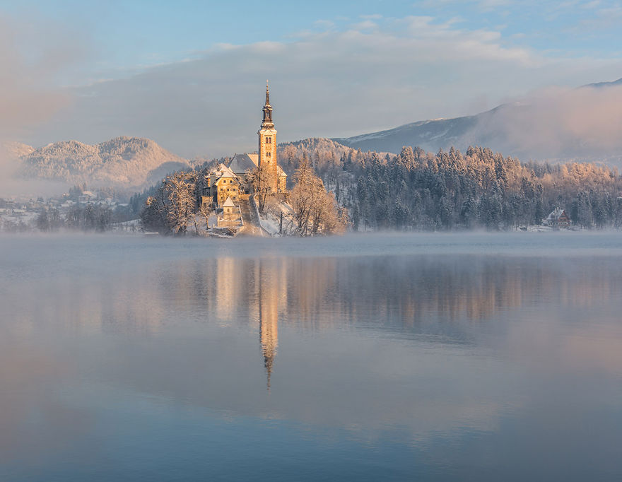 I Photographed Lake Bled On A Fairytale Winter Morning Bored Panda
