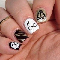15+ Harry Potter Nail Art Ideas That Are Pure Magic ...