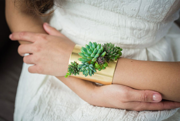 Living Jewelry That Grows While You Wear It