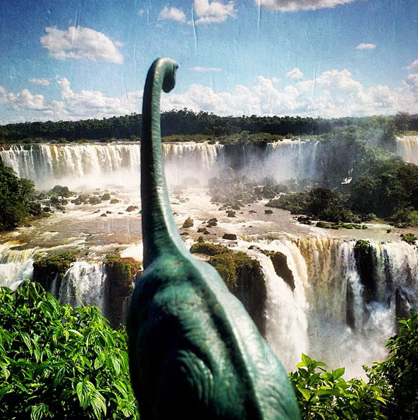 travel-photography-dinosaur-toys-dinodinaseries-jorge-saenz-169