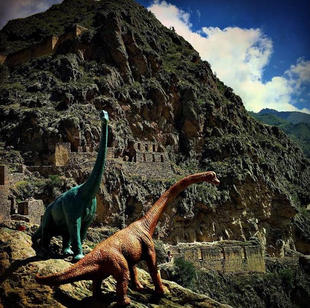 travel-photography-dinosaur-toys-dinodinaseries-jorge-saenz-175