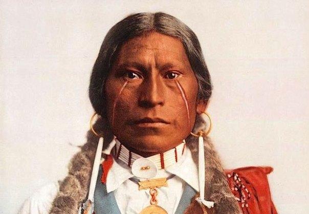 Jefe James A. Garfield.  Jicarilla Apache.  1899. Foto por William Henry Jackson