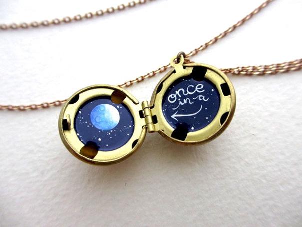 miniature-astromony-oil-painting-jewelry-rustic-lockets-khara-ledonne-4