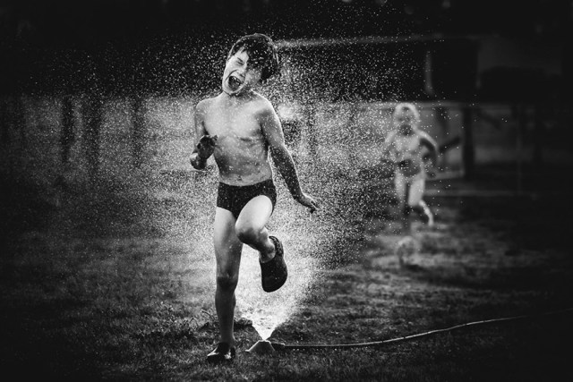 raw-childhood-without-electronic-devices-niki-boon-new-zealand-24