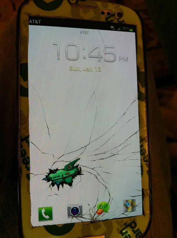 Iphone 5 Cracked Screen Wallpaper 10 Creative Ways To Fix Your Broken Phone Screen