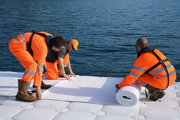 floating-piers-christo-jeanne-claude-italy-33