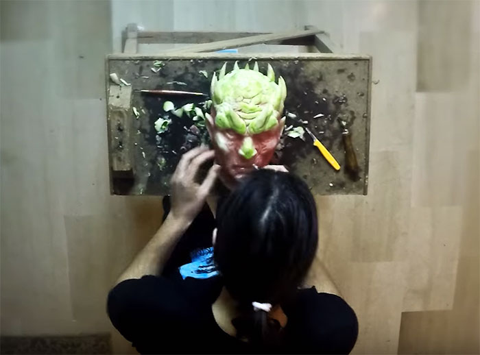 https://i0.wp.com/static.boredpanda.com/blog/wp-content/uploads/2016/06/game-of-thrones-watermelon-carving-night-king-white-walker-valeriano-fatica-2.jpg