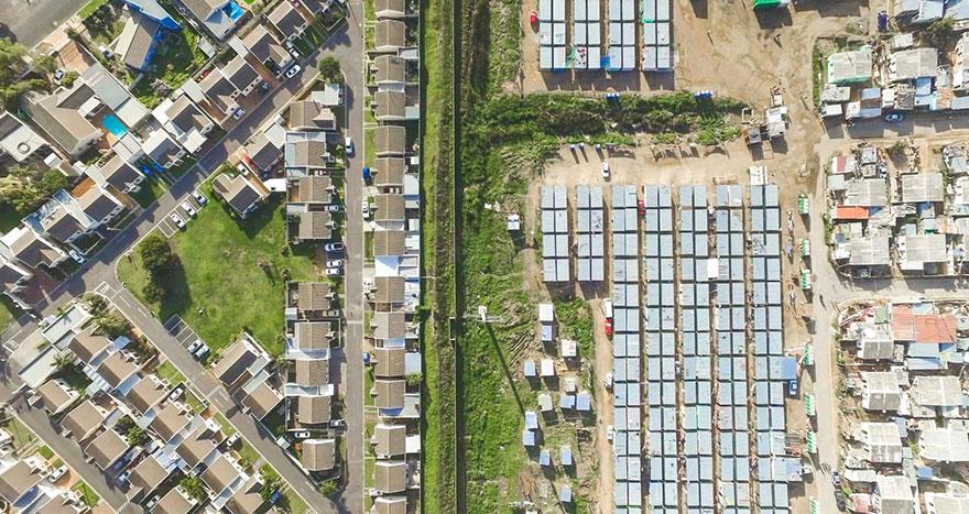 άνιση-σκηνές-drone-φωτογραφία-ανισότητας-Νότια Αφρική-Johnny-Miller-14
