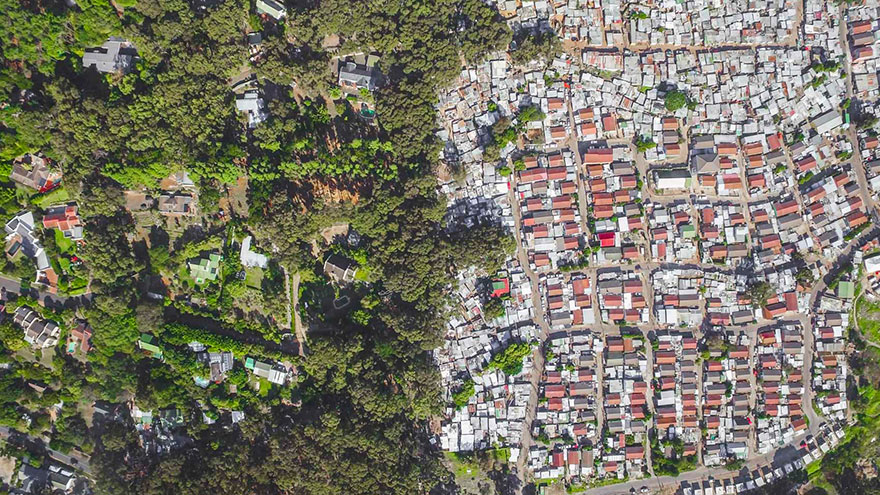 άνιση-σκηνές-drone-φωτογραφία-ανισότητας-Νότια Αφρική-Johnny-Miller-16