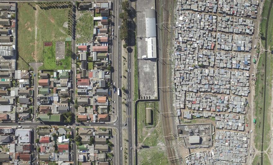 άνιση-σκηνές-drone-φωτογραφία-ανισότητας-Νότια Αφρική-Johnny-Miller-17