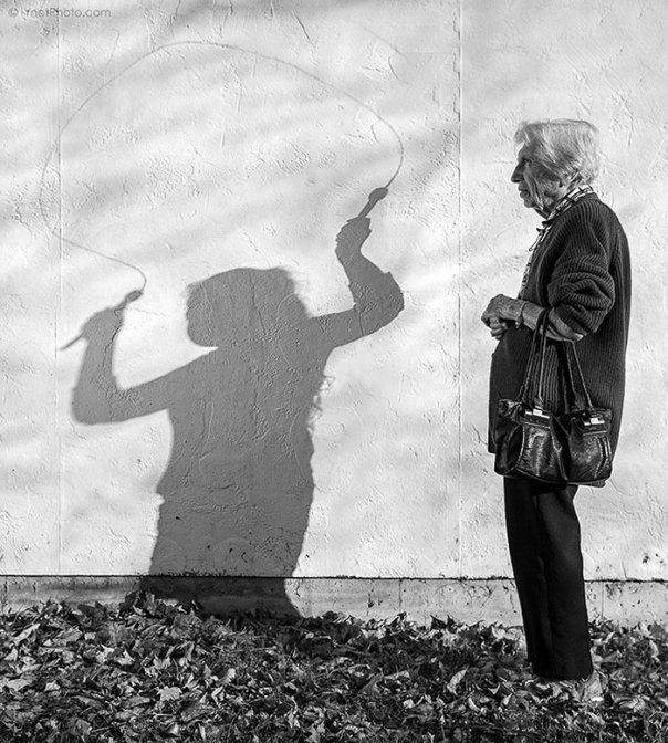 De 91 años de edad de la madre de edad avanzada-women-extrañas-unos-tony-Luciani-4-lúdico-fotografía