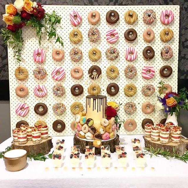 benzersiz düğün çörek duvarı