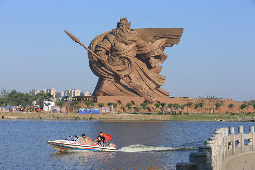 Epic 1,320-ton God Of War Statue In China