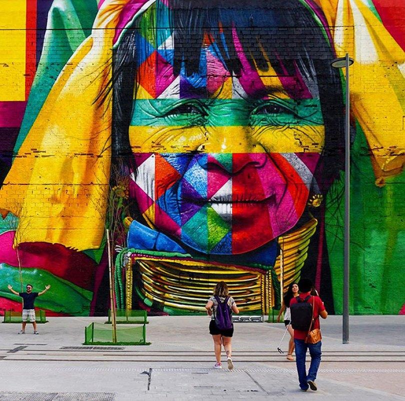 world largest mural street art las etnias the ethnicities eduardo kobra rio olympics brazil 10 - Murais de Graffiti de Eduardo Kobra pelo mundo