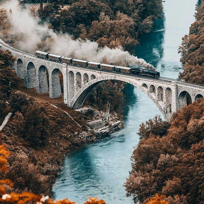Πότε ήταν η τελευταία φορά που αγόρασε ένα εισιτήριο τρένου;