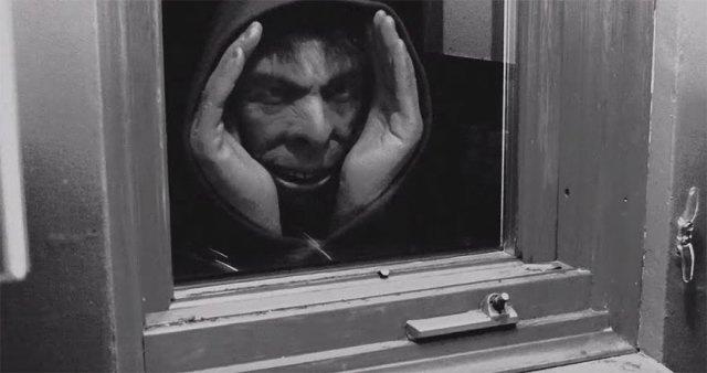 halloween-decoration-scary-peeper-creeper-67