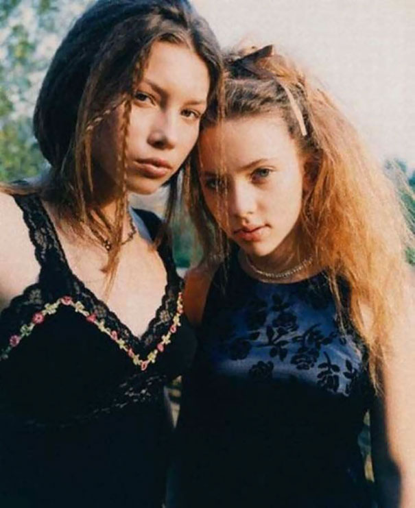 Jessica Biel and Scarlett Johansson, 1998