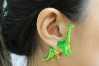 Dinosaur Earrings For A Modern Caveman | Bored Panda