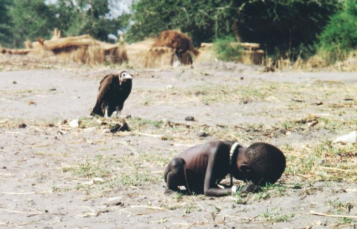 Starving niño y Buitre, Kevin Carter, 1993