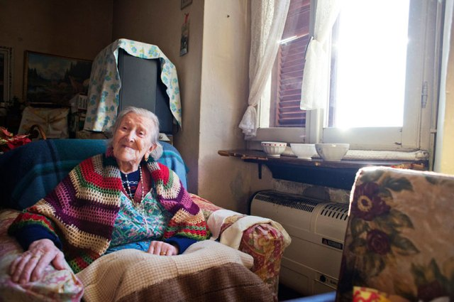 woman-born-1899-celebrate-117th-birthday-emma-morano-4