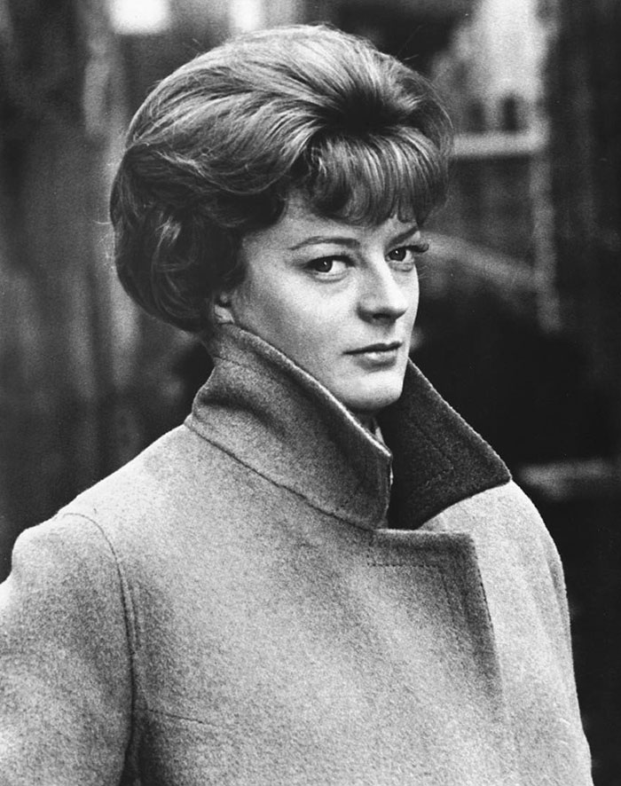 17 Beautiful Throwback Pics Of Dame Maggie Smith | Bored Panda