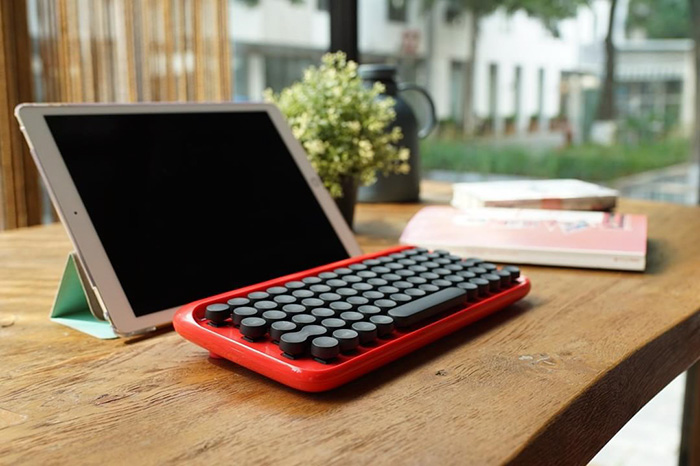hipster-retro-typewriter-keyboard-lofree-v7