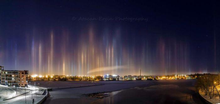 Pilastri di luce a Tampere, Finlandia