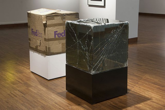 shattered-glass-sculptures-fedex-boxes-walead-beshty-6