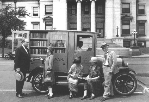 Book Caravan In Iowa, C.1927