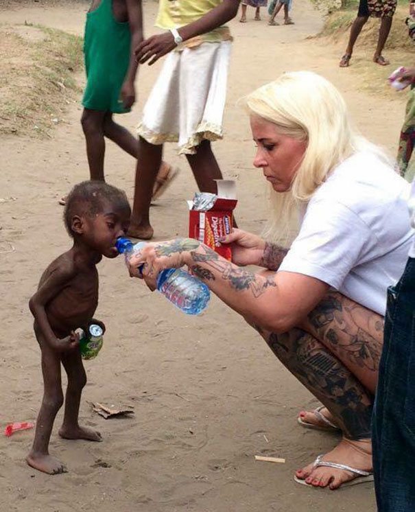 nigerian-starving-thirsty-boy-first-day-school-anja-ringgren-loven-8