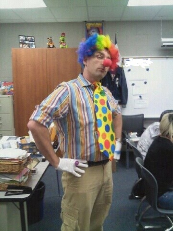 """This Is My Gay Teacher The Day After One Of His Students Said, """"I'm Glad Gays Can't Marry Here. They Scare Me, Kinda Like Clowns."""""""