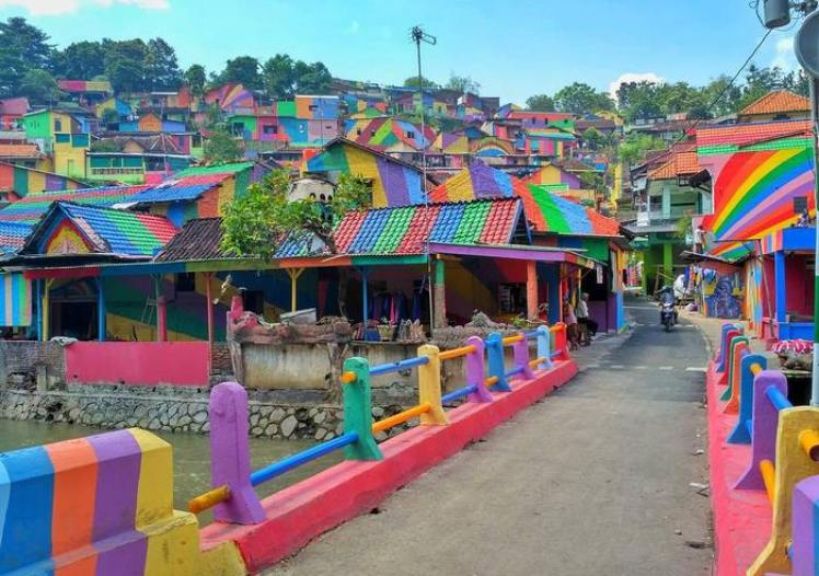 rainbow-village-kampung-pelangi-indonesia- (1)