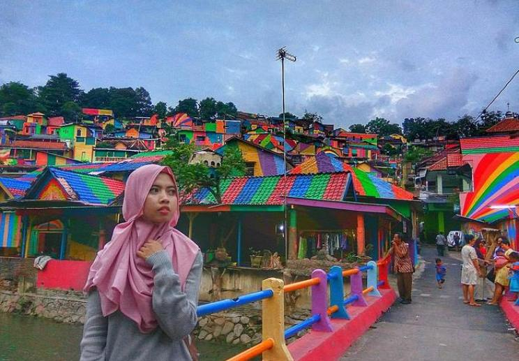 rainbow-village-kampung-pelangi-indonesia- (8)