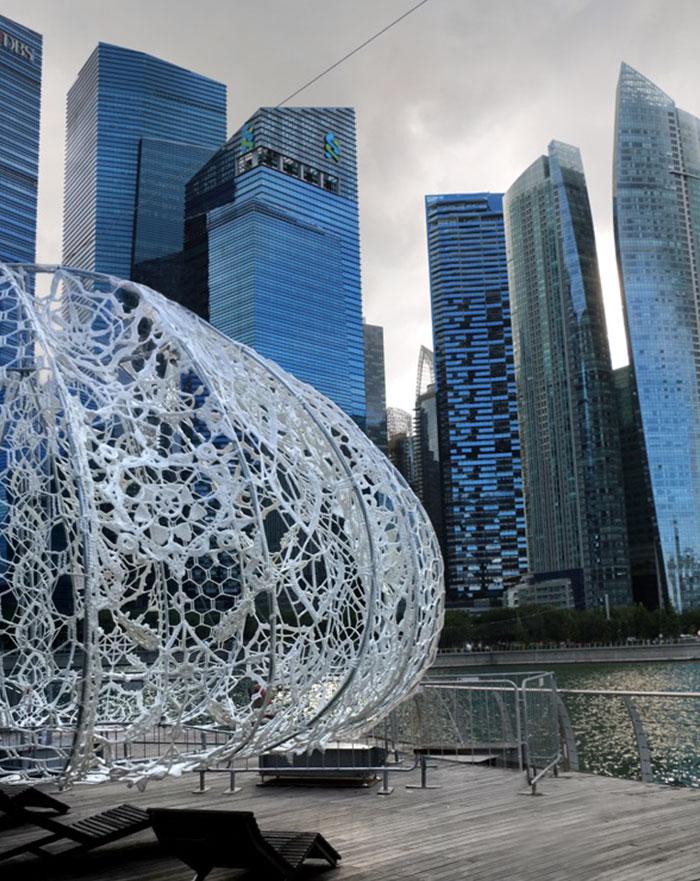 crocheted-urchins-sculpture-choi-shine-architects-singapore-marina-bay-2