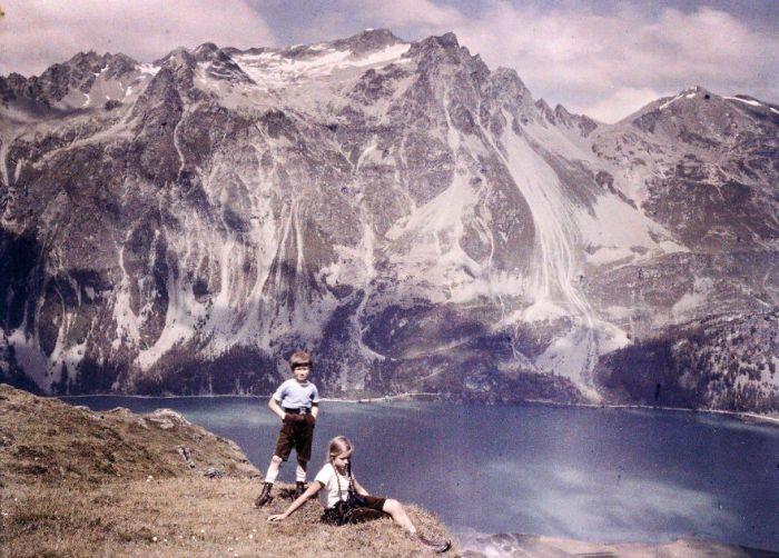 Heinz E Eva On The Hillside, 1925