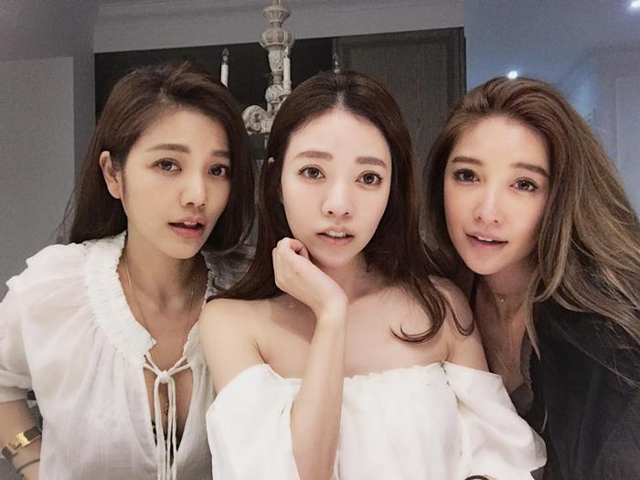 giovanile-taiwanese-donna-madre-sorelle-attirare-fayfay-sharon-Hsu-1
