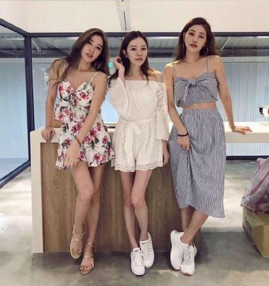youthful-taiwanese-woman-mother-sisters-lure-fayfay-sharon-hsu-10