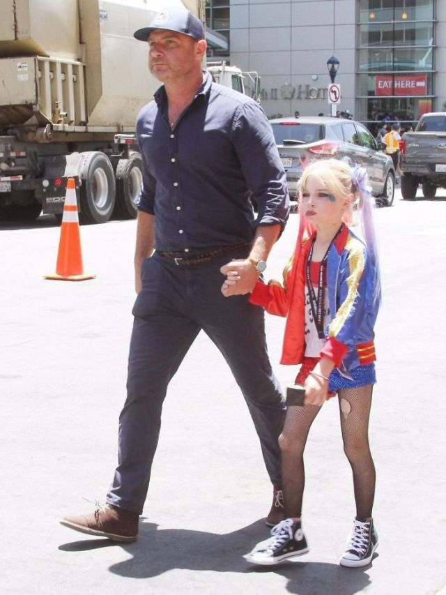 Liev Schreiber Took His Son To Comic Con Dressed As Harley Quinn
