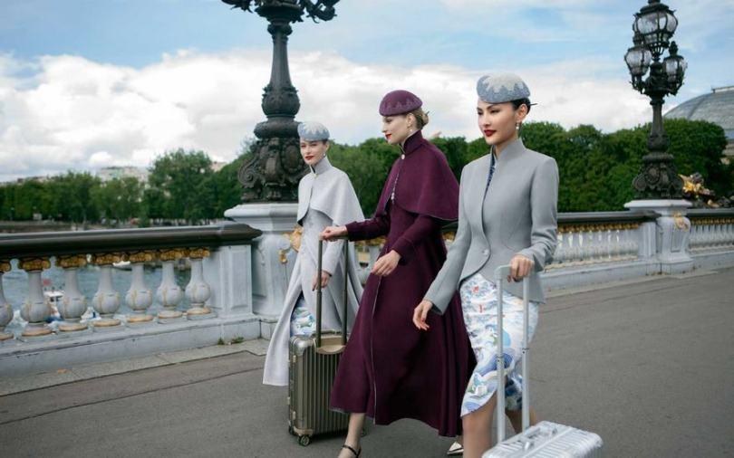 hainan airlines uniforms haute couture china 4 - Companhia aérea chinesa inova na roupa de aeromoças