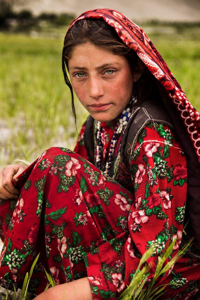 She photographed women in 60 countries to change the way we see beauty 59c8d343d5d35  880 - Projeto de fotógrafa romena propõe tirar fotos de mulheres pelo mundo