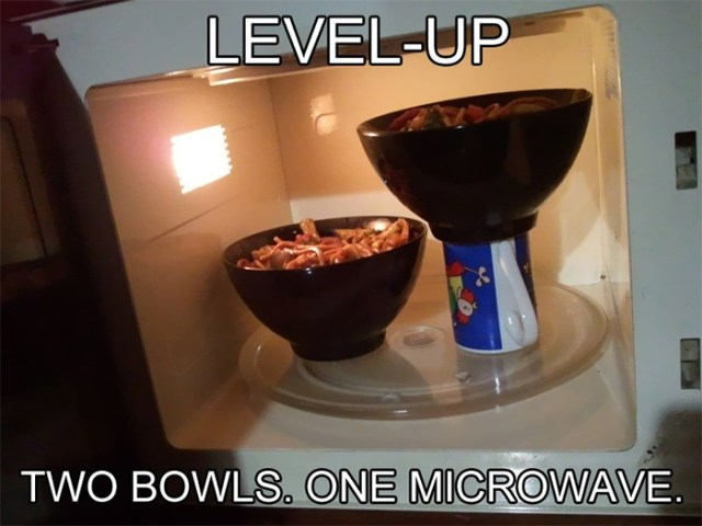 How To Fit Two Bowls In The Microwave