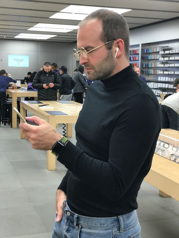Stopping By The Apple Store In My Halloween Costume