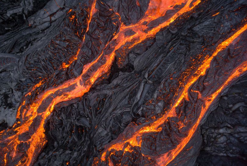 I melted my drone camera flying to close to the lava flows of mount Kilauea Hawaii 59f8c86c655cd  880 - Fotógrafo chega muito perto de lava com o seu Drone