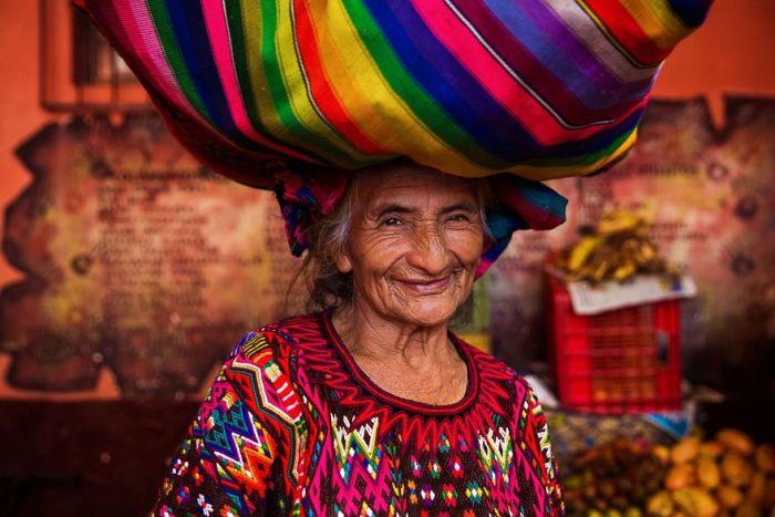 She photographed women in 60 countries to change the way we see beauty 59f04135381de  880 - Projeto de fotógrafa romena propõe tirar fotos de mulheres pelo mundo