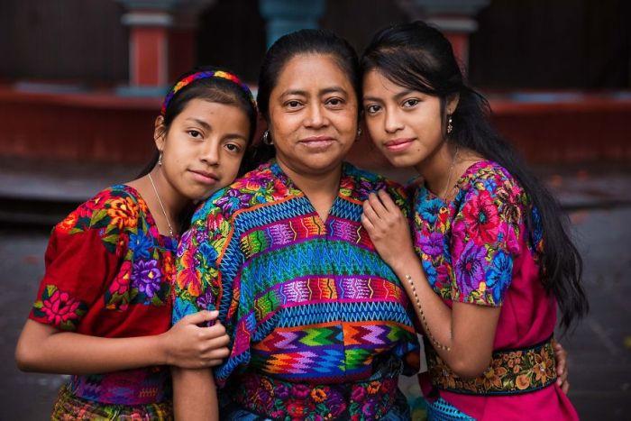 She photographed women in 60 countries to change the way we see beauty 59f04256699d9  880 - Projeto de fotógrafa romena propõe tirar fotos de mulheres pelo mundo