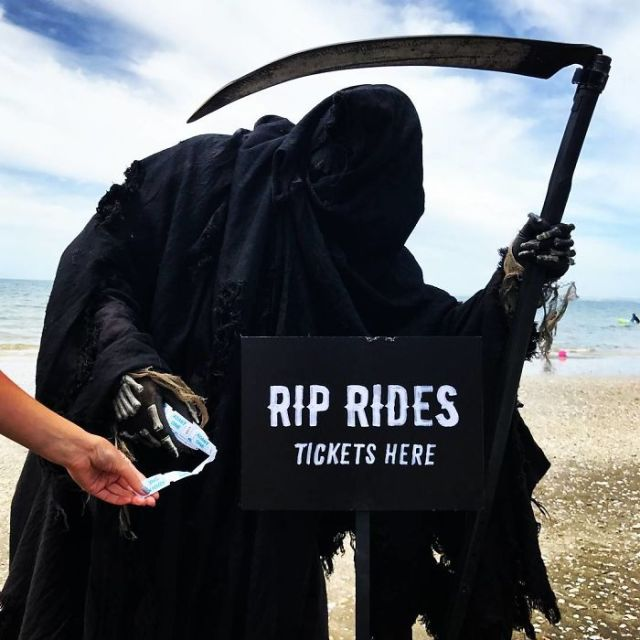 This 'Swim Reaper' Instagram Account Is Absolute Gold