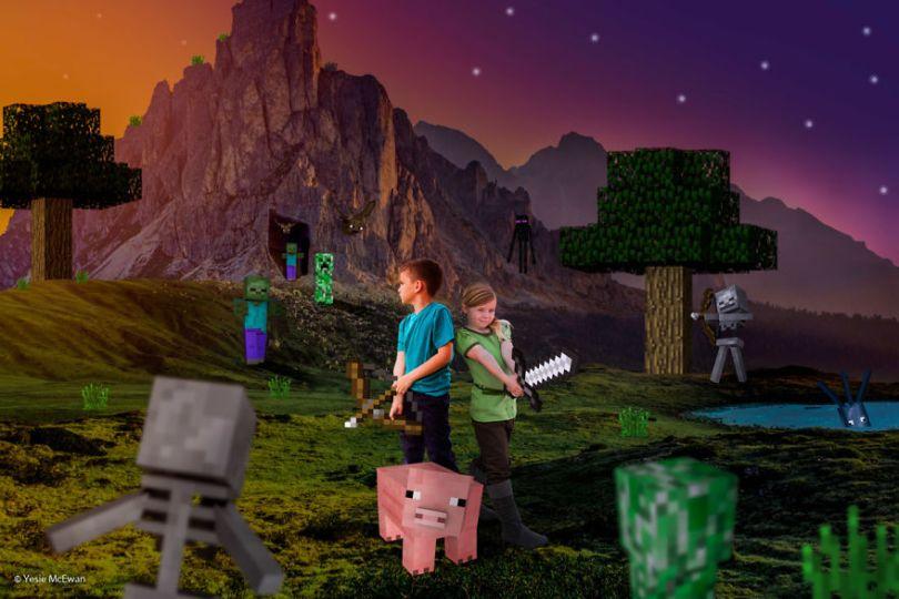 Yesie McEwan 124 5a00a612ca52b  880 - Pai cria Minecraft Photo Series com os filhos