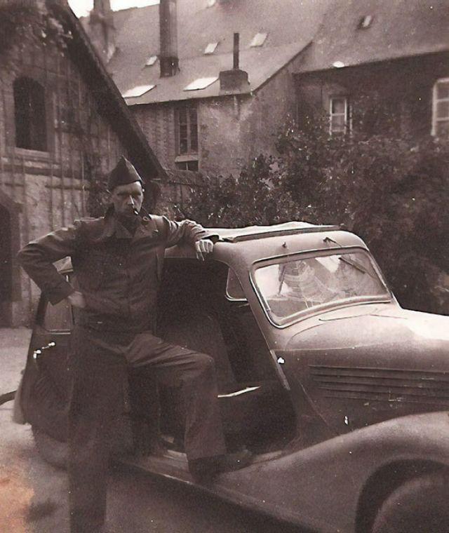 Segunda Guerra Mundial - Mi Fabuloso Abuelo Con Un Coche Que Robó A Los Nazis