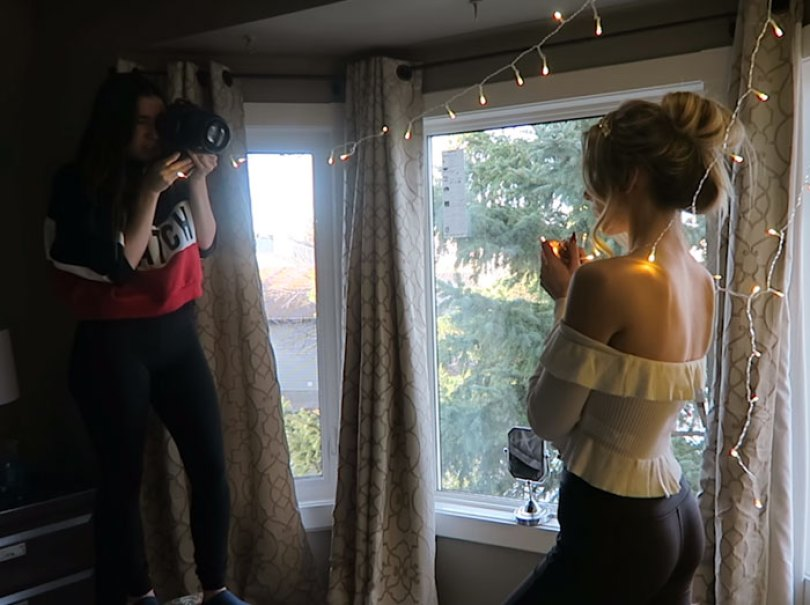How To Take Amazing Christmas Light Portraits In An Ordinary Bedroom 5a22ad5cf2ff2  700 - Tutorial de fotografia com linda modelo